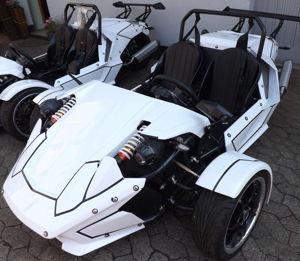Verkleidung kompletter Satz ZTR Roadster Trike Dreirad Farbe weiß Seitenteil Front Spoiler Front Reifenabdeckung Heckdeckel gebraucht sehr gut erhalten