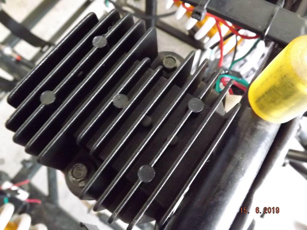 Regler Lichtmaschinenregler Spannungsregler ZTR Roadster 12 V