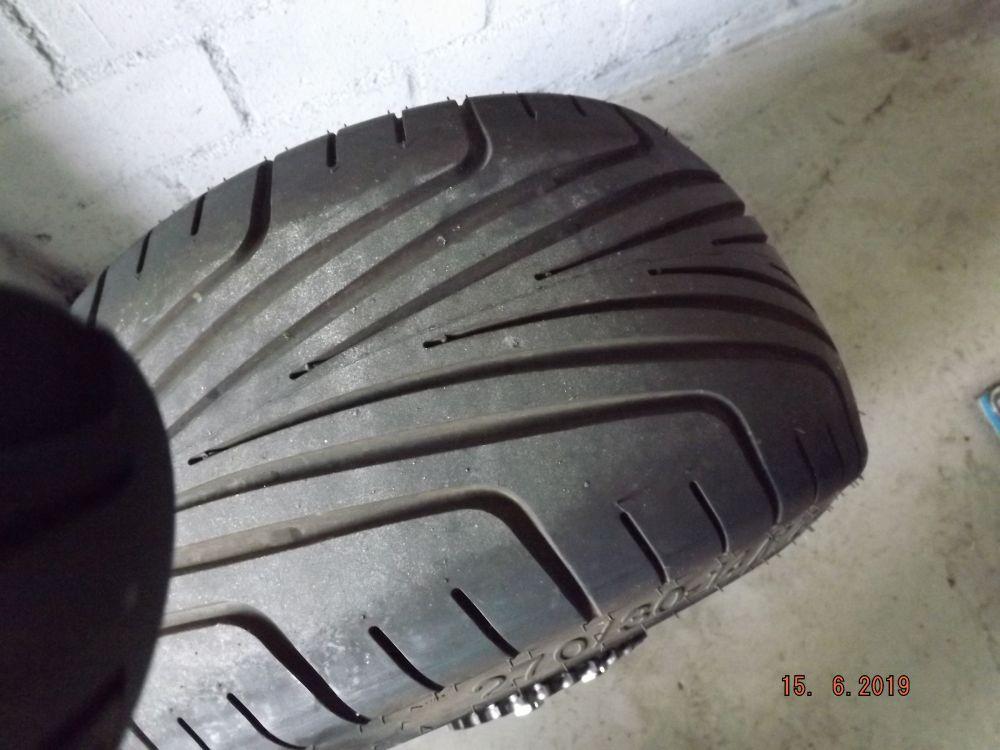 Komplett Hinterrad mit Achslager und Kettenrad Reifen 270/30-14 max. 140 km/h gebraucht